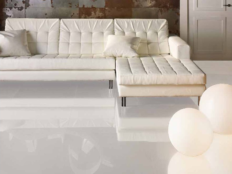 Carrelage blanc brillant for Carrelage interieur blanc